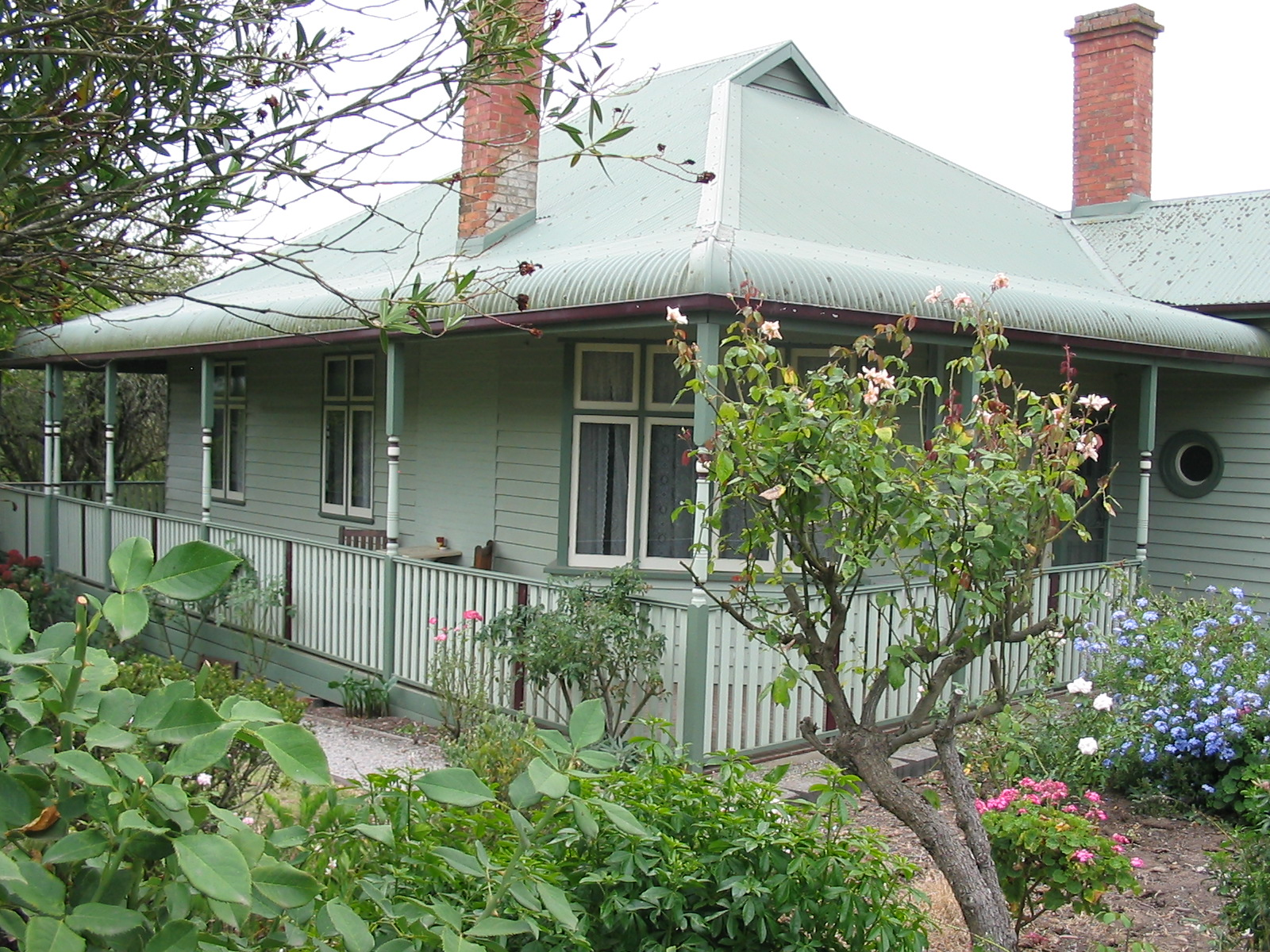 Wallace Historic Homestead at Wild Cattle Creek Estate offers exclusive Yarra Valley Vineyard Accommodation